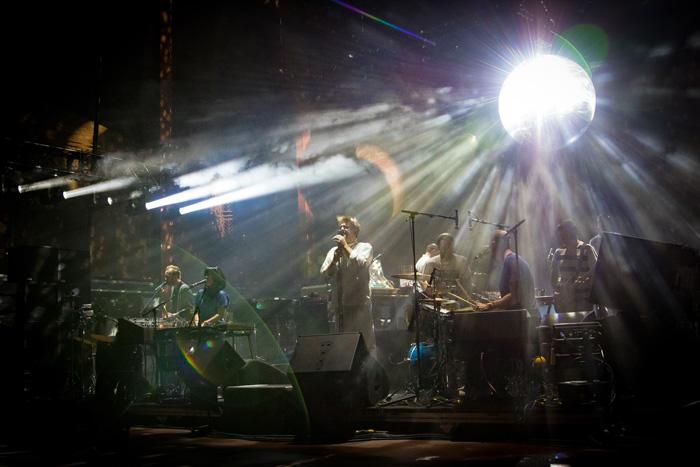 lcd soundsystem lights up red rocks greeblehaus