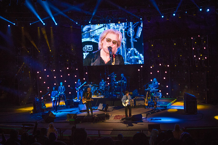 Hall & Oates perform at Denver's Red Rocks Ampitheater, 2016
