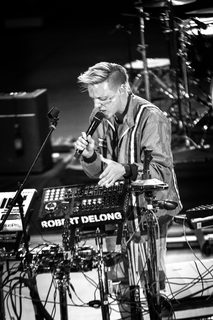 Robert De Long opens for Tears for Fears at Red Rocks in Denver