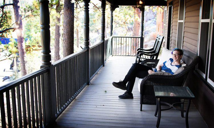 Outlook Lodge: Mountain Resort Hotel Near Colorado Springs