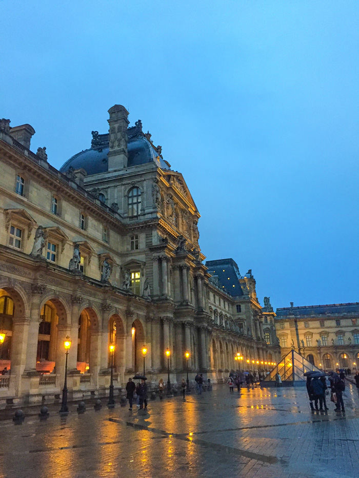 24 Hours in Paris: Lourve Art Museum