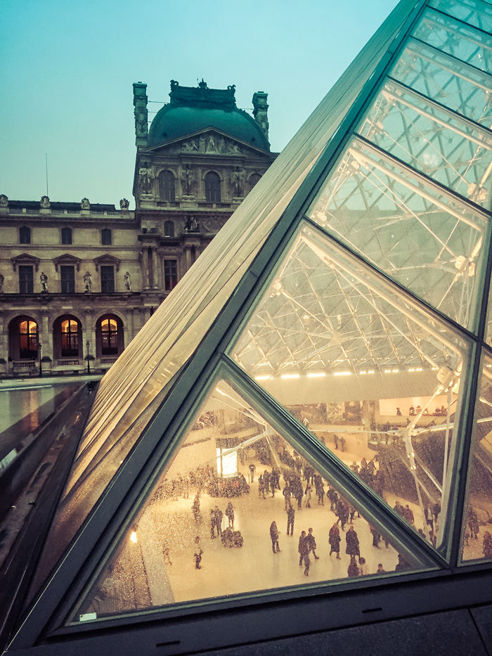 24 Hours in Paris: Lourve Pyramid
