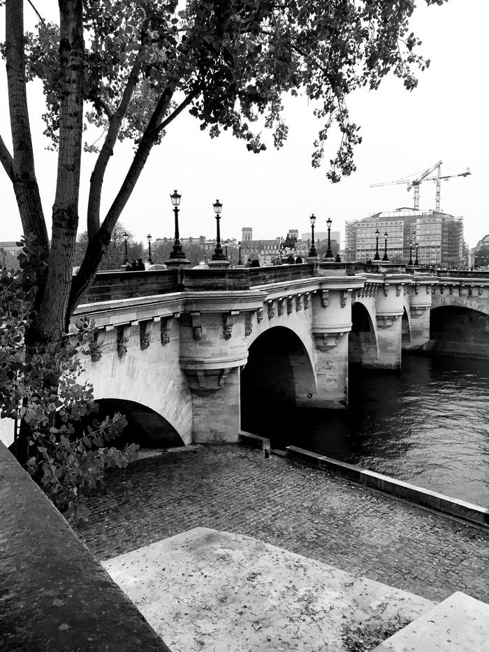 24 Hours in Paris: Pont Neuf Bridge