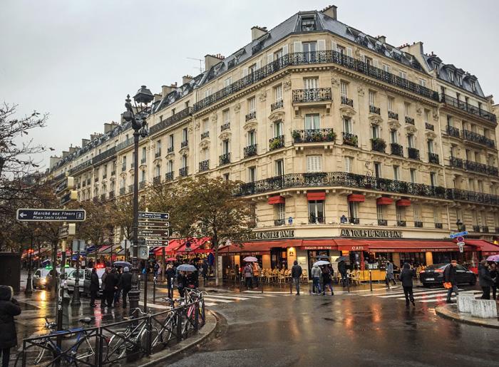 24 Hours In Paris: Saint Michel Notre Dam Train Exit