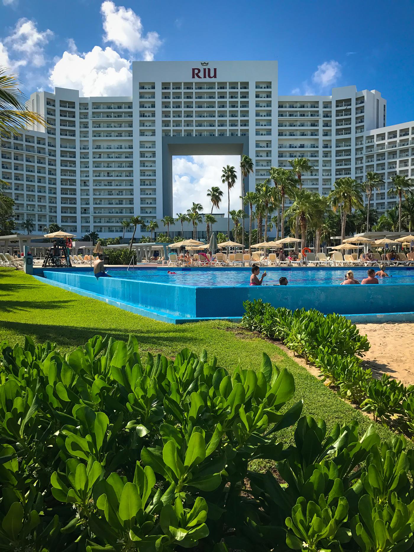 Hotel Riu Palace Peninsula - Cancun Resort Travel