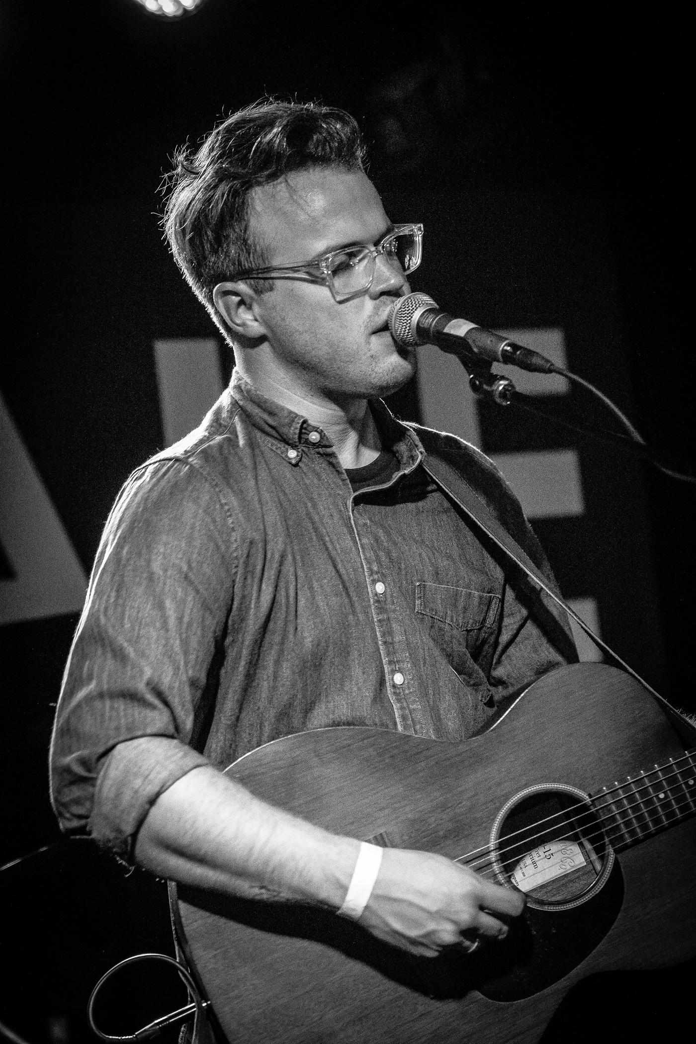 Ian Mahan Photos - Denver Singer Songwriter