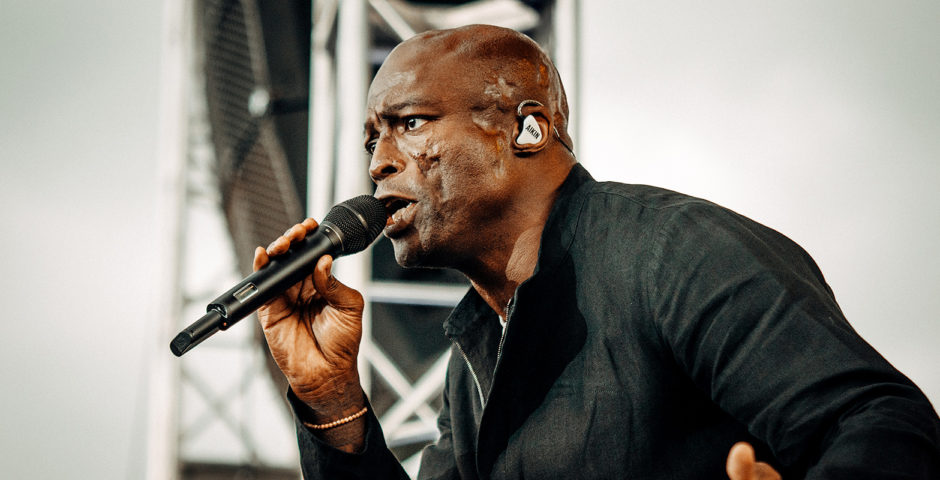 Seal Concert Photos - Denver's Hudson Gardens