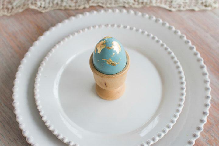 Easter Crafts & Recipes - Gold Foil Eggs